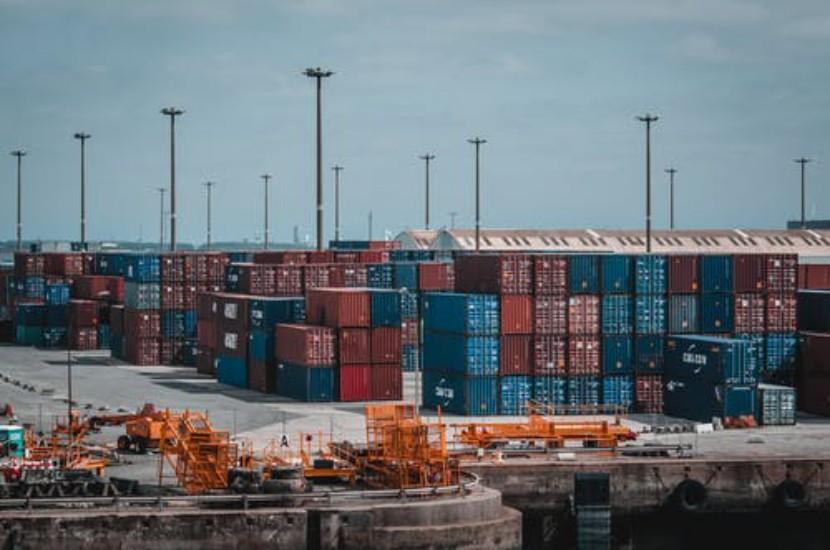 地中海航运公司购买两艘集装箱船